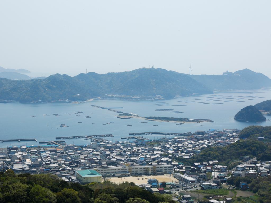 【福良湾】新鮮な魚介類が水揚げされる南淡路を代表する漁港