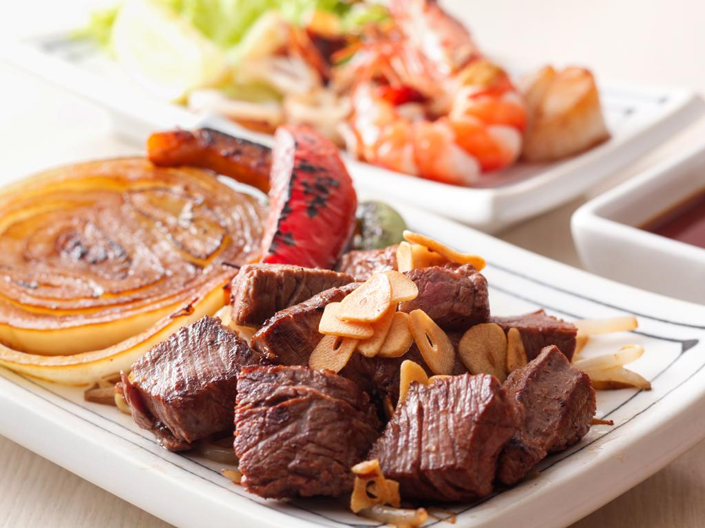 地元の名店・ぐりるエイトの鉄板焼ディナー<料理イメージ>