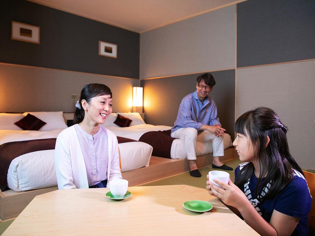 ◆デラックスツインルーム◆ 家族旅にピッタリ。お茶を飲みながらゆ〜ったり気ままにおくつろぎください