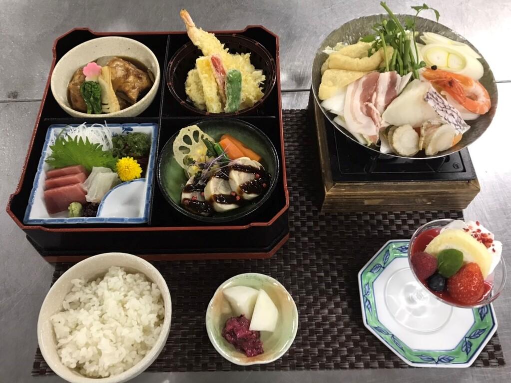 松花堂弁当+鍋物!※写真はイメージです。