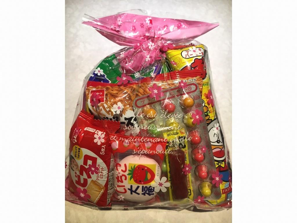 お子様にお一つプレゼントのお菓子セット