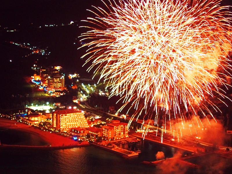 シェラトン沖縄 夏の花火まつり