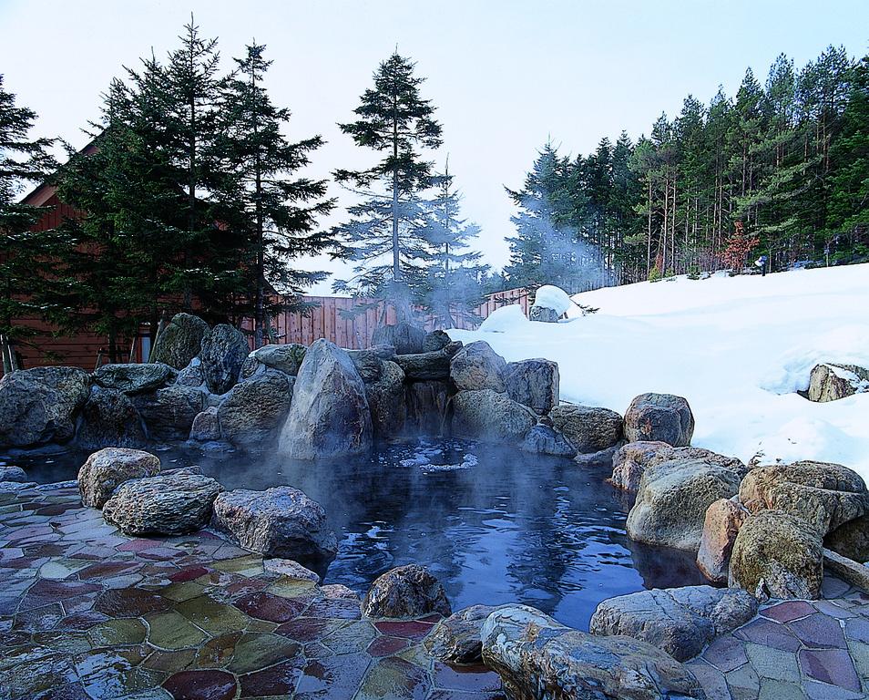 冬の女性露天風呂