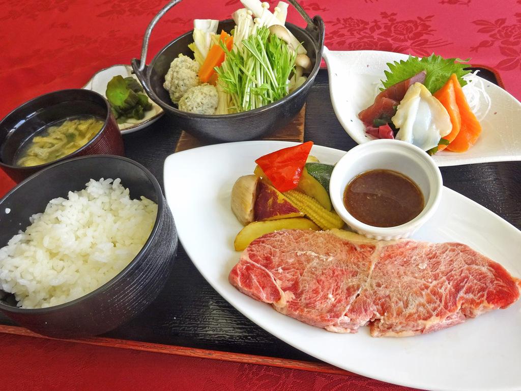 【夕食の一例】ビジネス利用向けプランの定食の一例