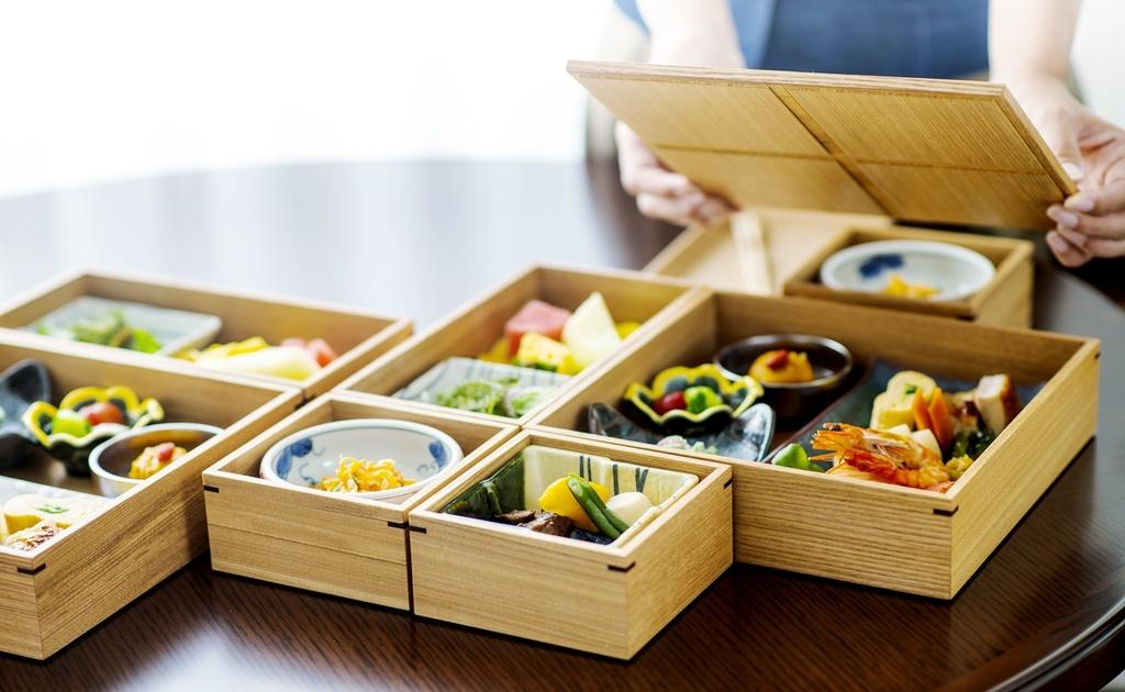 【朝食】インルームダイニングで味も食材も昔から琉球に伝わる方法で作られた「ぬち(命)ぐすい(薬)」の朝食を食べる幸せ