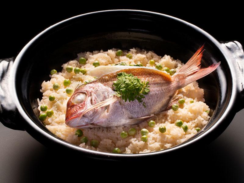 【万里荘-至福のお魚】ご夕食イメージ〜四季折々、旬のお魚をご用意しております
