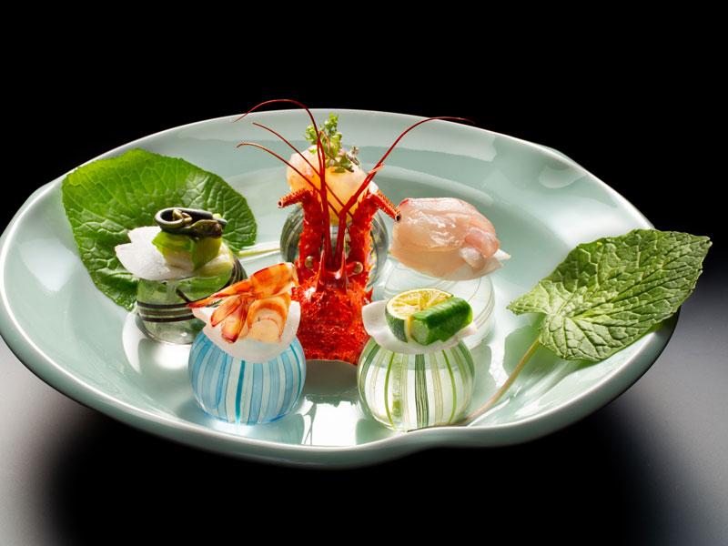 【万里荘-和食会席】ご夕食イメージ〜地元産の食材を中心とした創作料理をお愉しみください