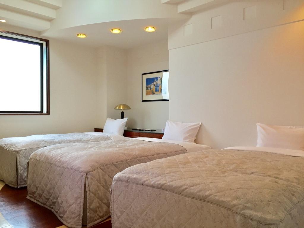 シングルベッド3台