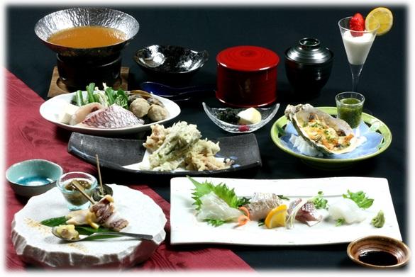 熊野の四季料理 海華の会席料理==※季節により料理の提供方法、使用する食材は異なります※