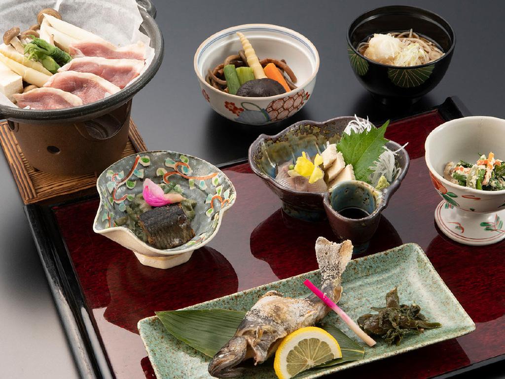 【夕食一例】郷土料理