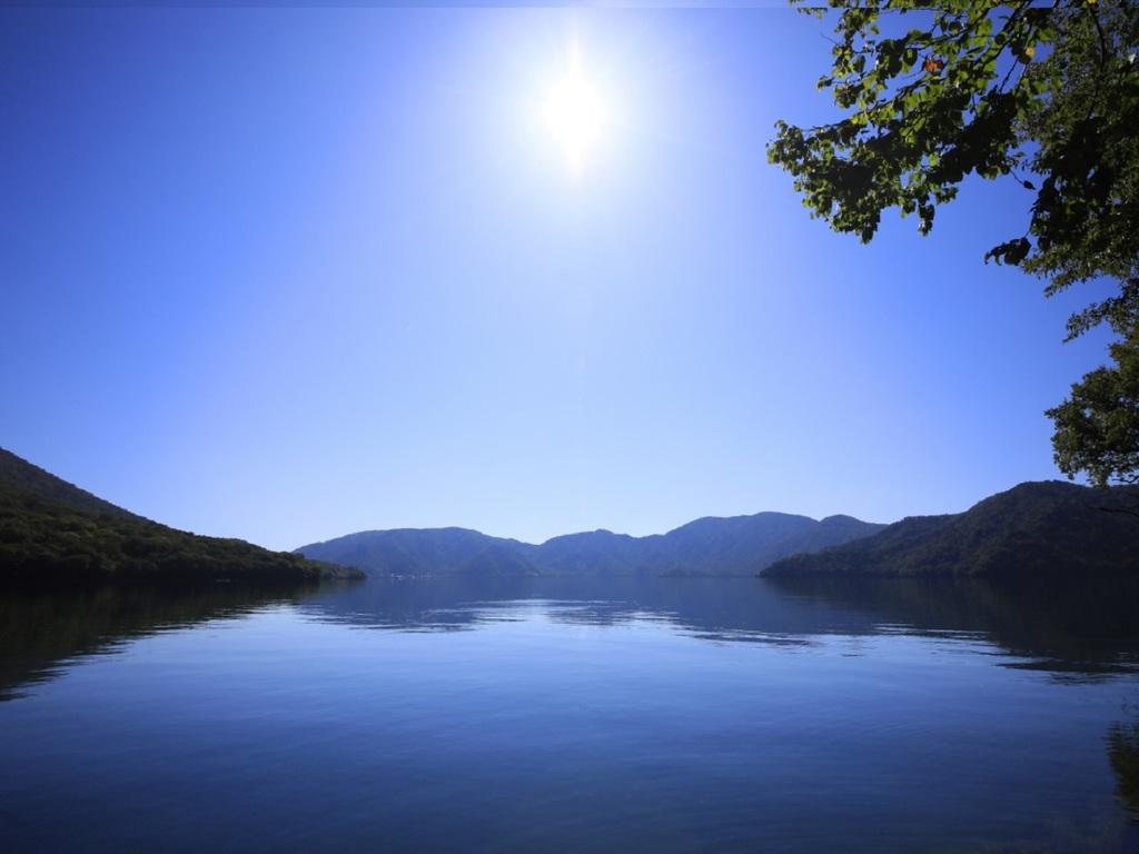 中禅寺湖からの風景