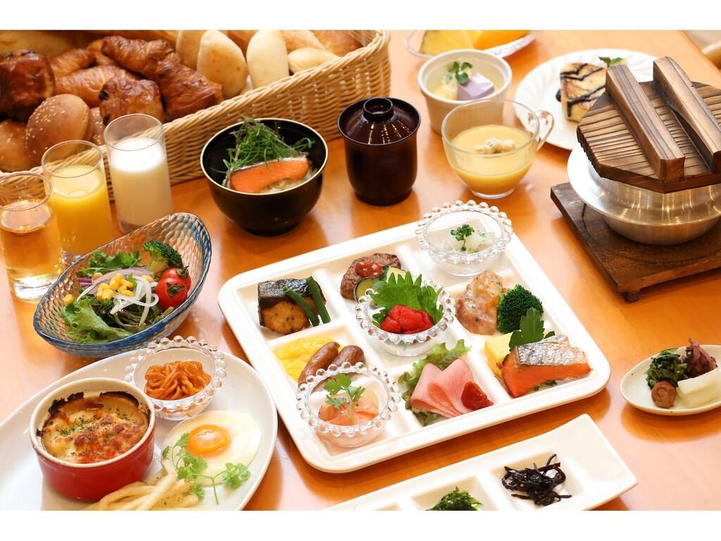 朝食ビュッフェ 彩りサラダ