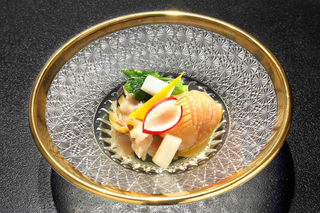花山葵 山独活 土佐酢 赤貝 栄螺(酢の物一例)