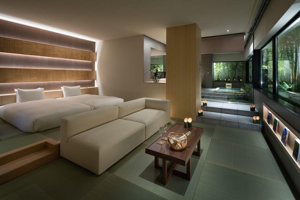 バンブースウィートルーム 70平米 禁煙 京唐紙の壁紙や観賞用の中庭など、随所にこだわりを施しております。