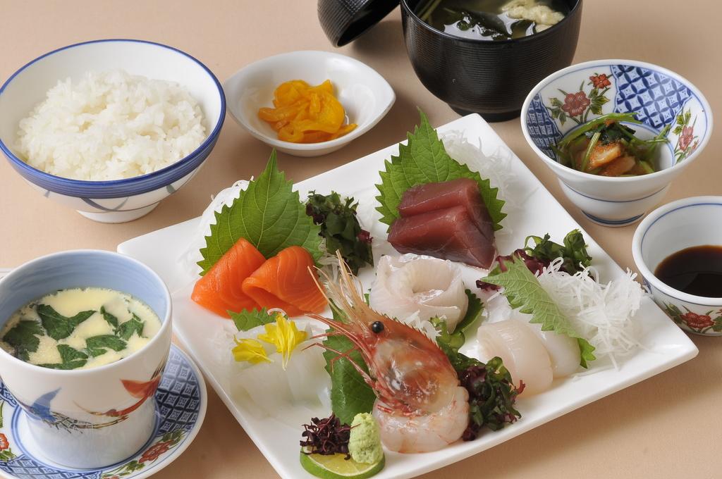 夕食(お造り定食)