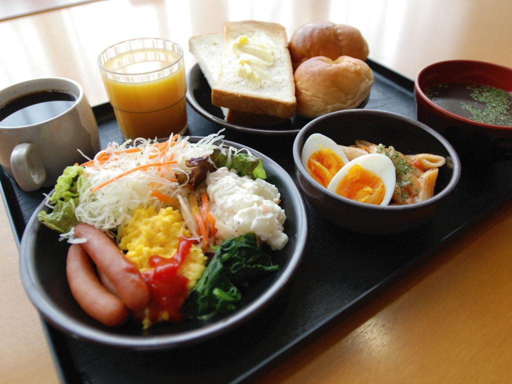 【無料健康朝食盛り付け例1】