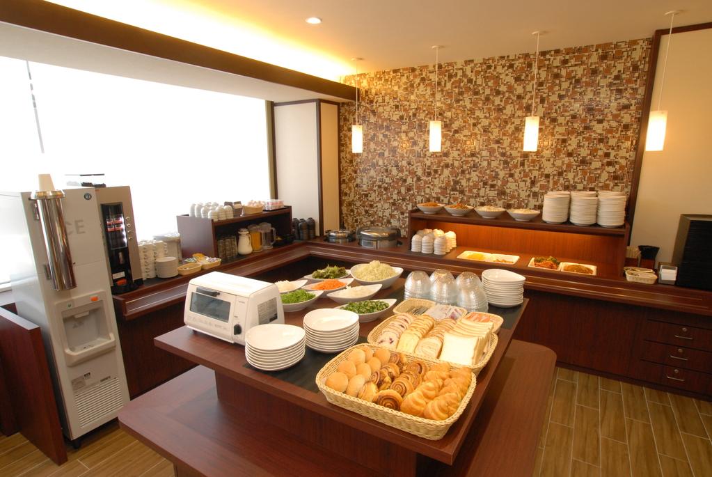 人気の和洋バイキング無料朝食♪毎日日替わりでご用意致しております。