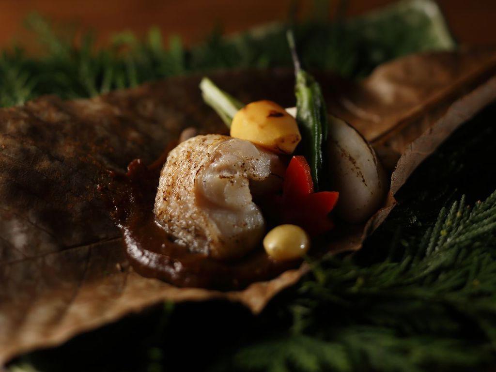 【うらら香・秋】甘鯛の朴葉焼き