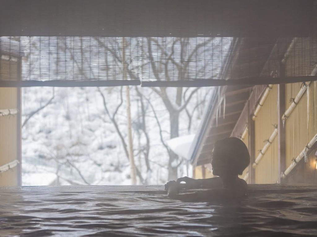 【本館露天風呂・冬】