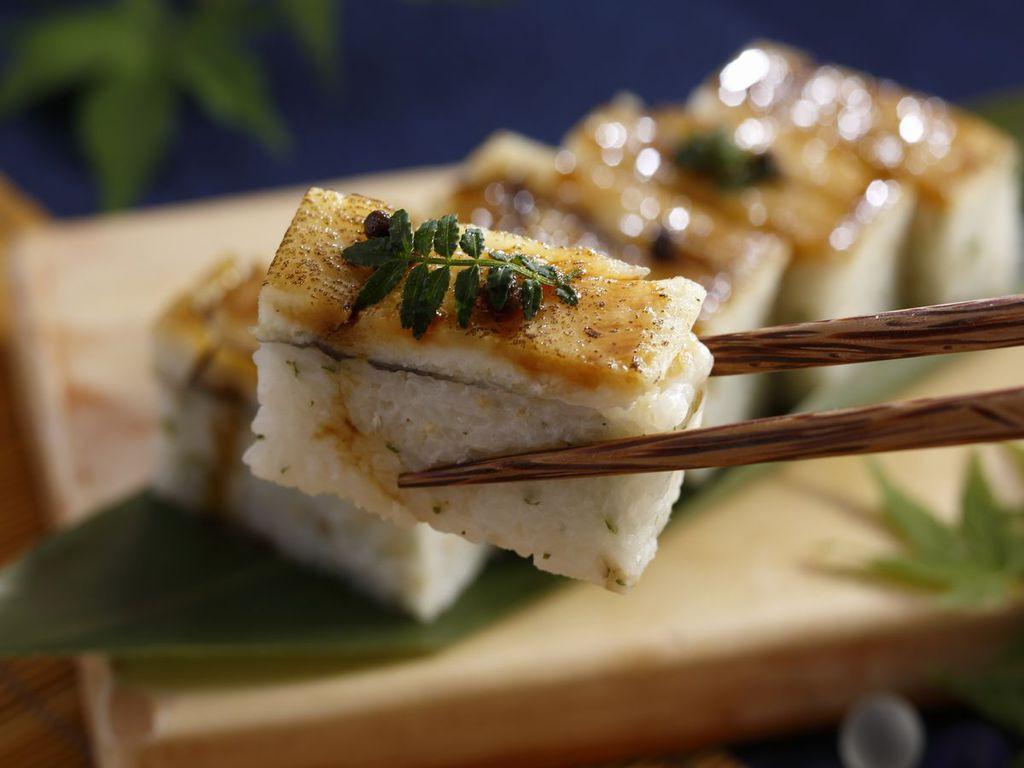 【うらら香・夏】鱧の押し寿司