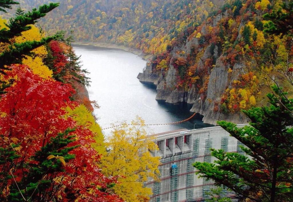 秋の豊平峡ダム