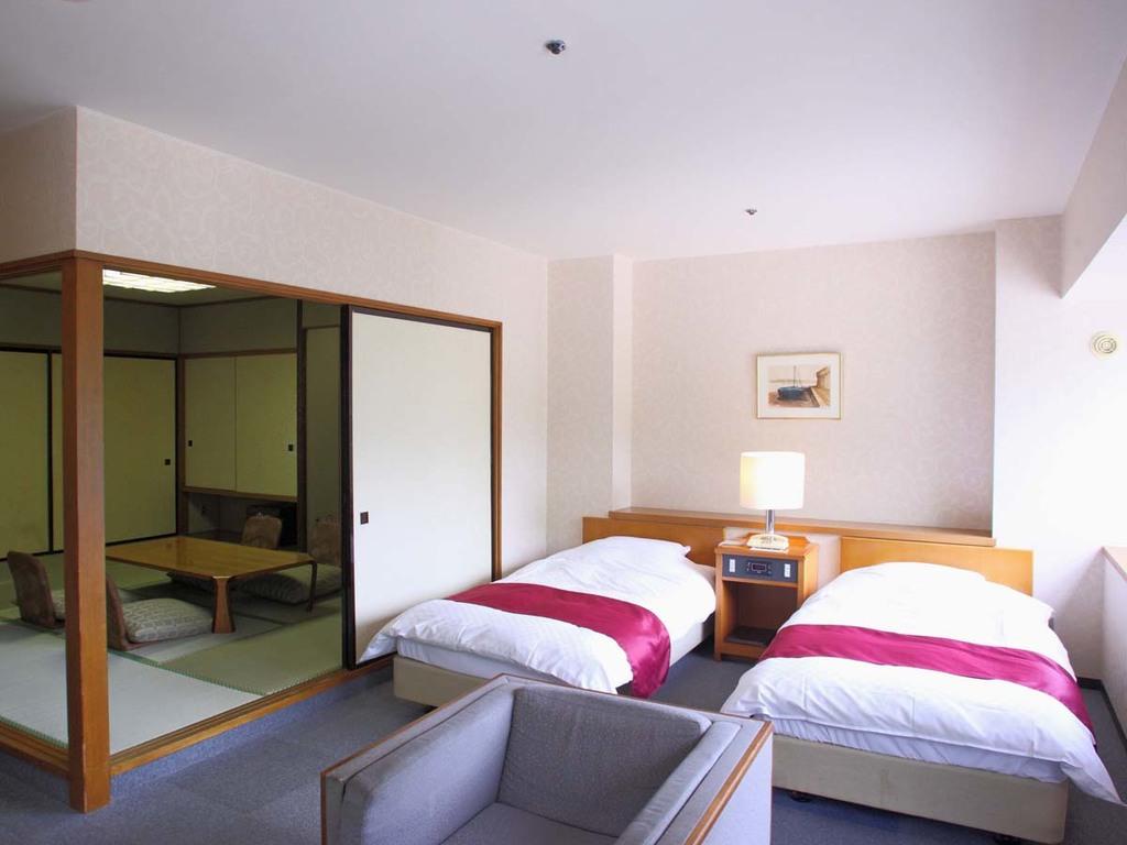 【タワー館 12階和洋室】和室+セミダブルベッドのお部屋