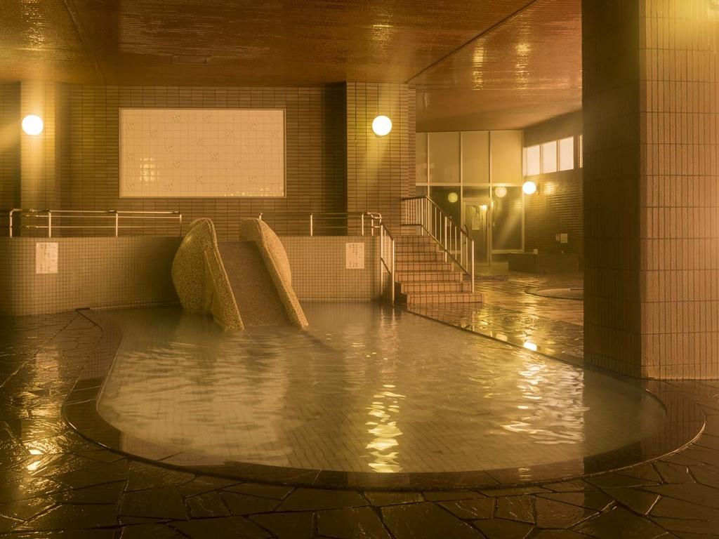 【大浴場】お子様にも人気の象型滑り台