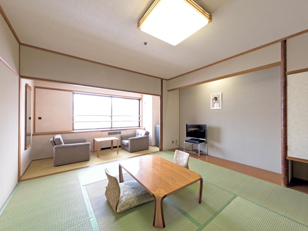 【タワー館 和室】10畳でゆったりとした和の空間
