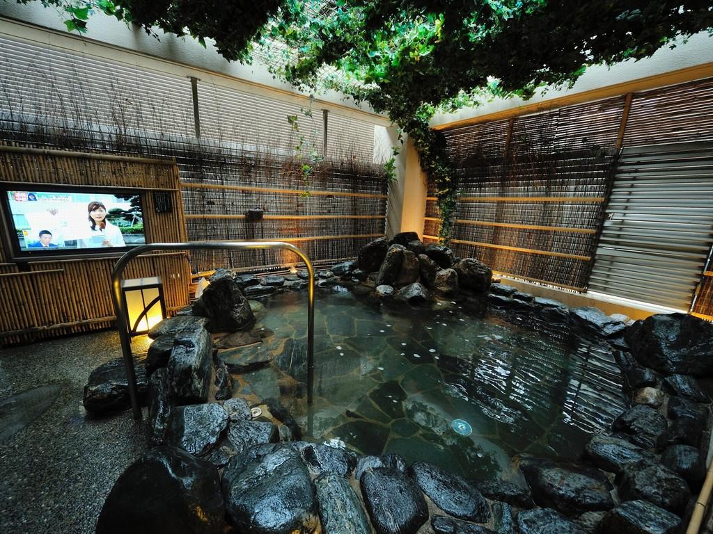 ◆入替制半露天風呂