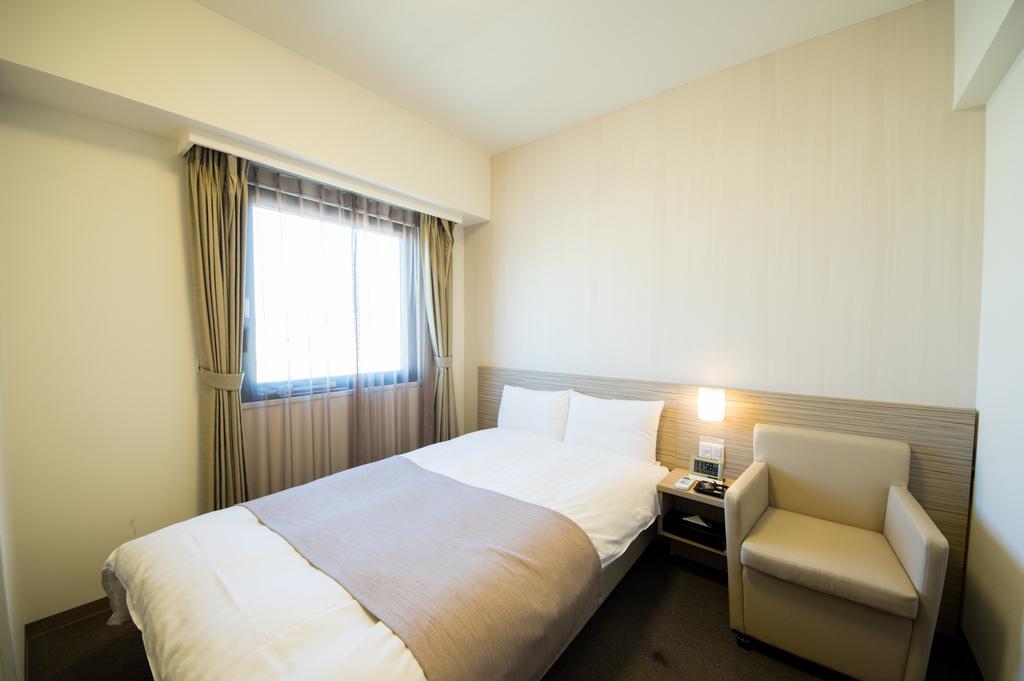 ■シングルルーム 15平米 シモンズ社製ベッド(120×195cm)
