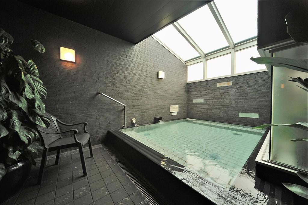 ■男性内風呂(湯温:41〜42℃)
