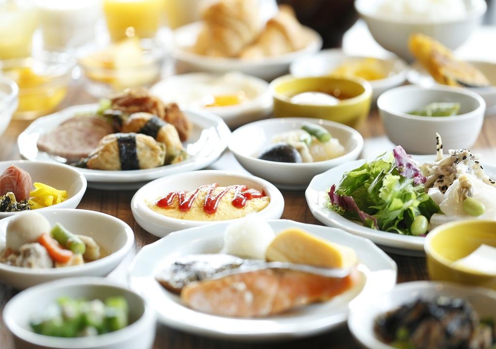 駅近っ×朝食!自慢の郷土料理★30種以上の朝食バイキング♪≪朝食付≫