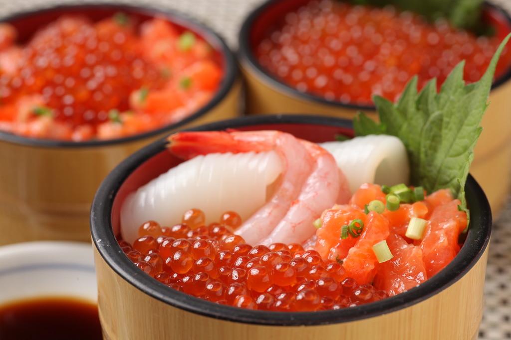 朝食(海鮮丼)