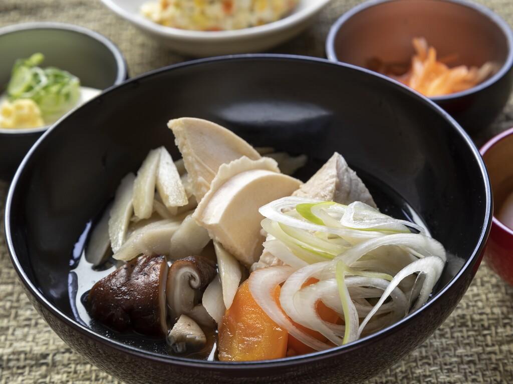◆青森の郷土料理!せんべい汁