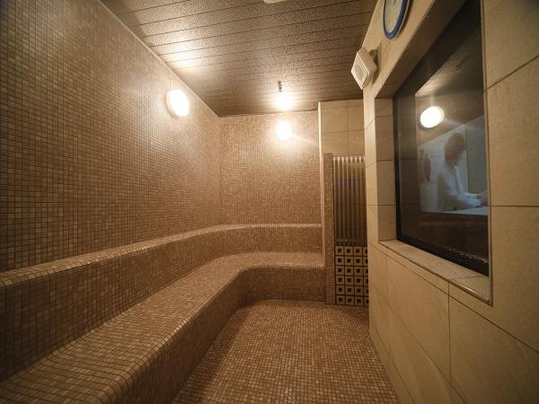 ◆女性大浴場内スチームサウナ 営業時間15:00〜深夜0:00、早朝5:00〜9:00