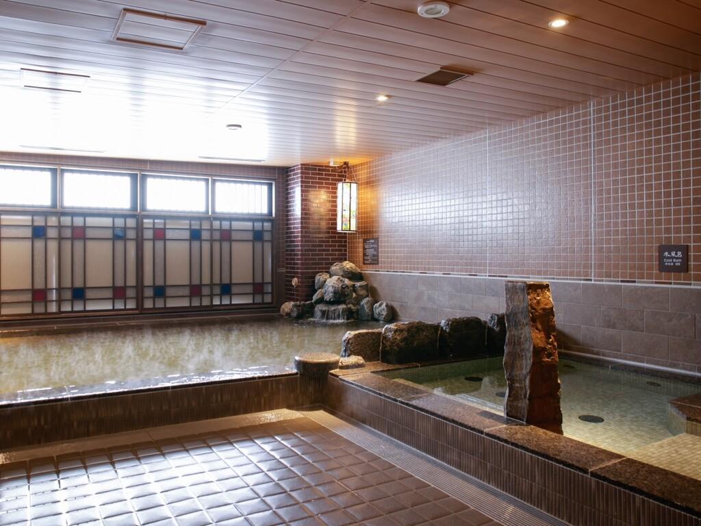 【天然温泉大浴場・男性】内風呂 (湯温:約41℃〜42℃)