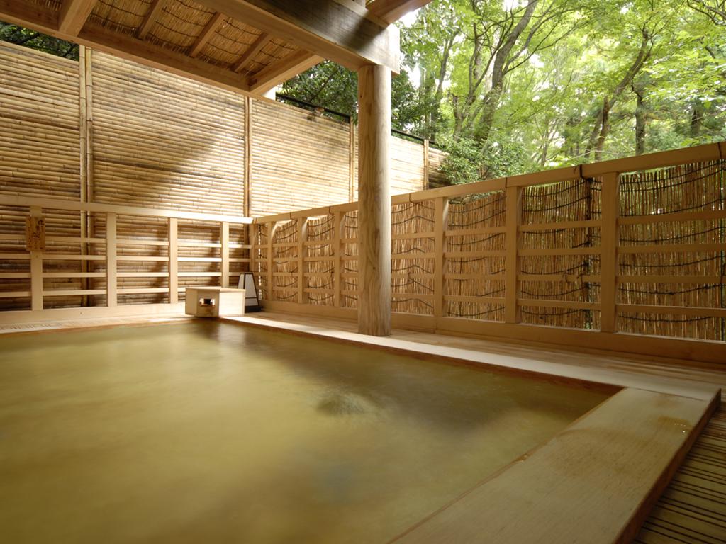 笹の湯【露天】檜風呂
