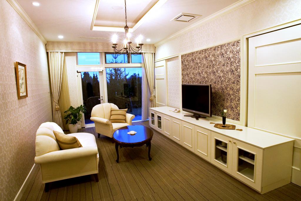 【ロイヤルガーデンコート】…当ホテルの中で最上級の客室。記念日や特別なご旅行におすすめ