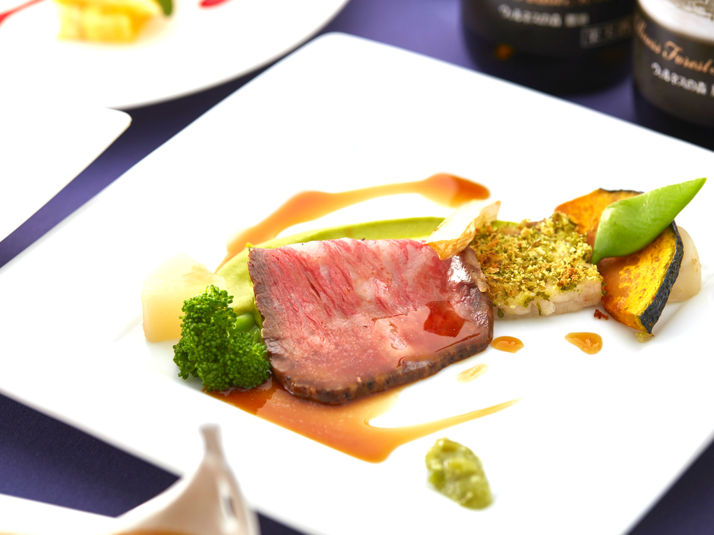 【夕食】メインは栃木県産和牛のローストビーフ