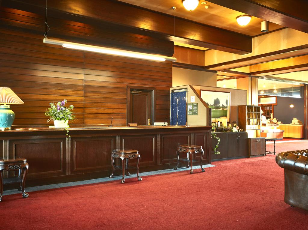 【施設】オリエンタル館1階・フロントカウンター