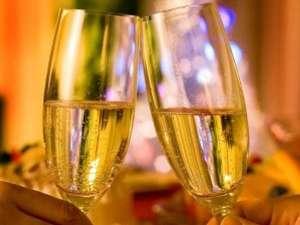 記念日のご宿泊に、22時間ロングステイ・スパークリングワインのサービス付き♪