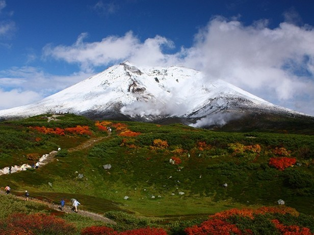 旭岳の雪化粧&紅葉