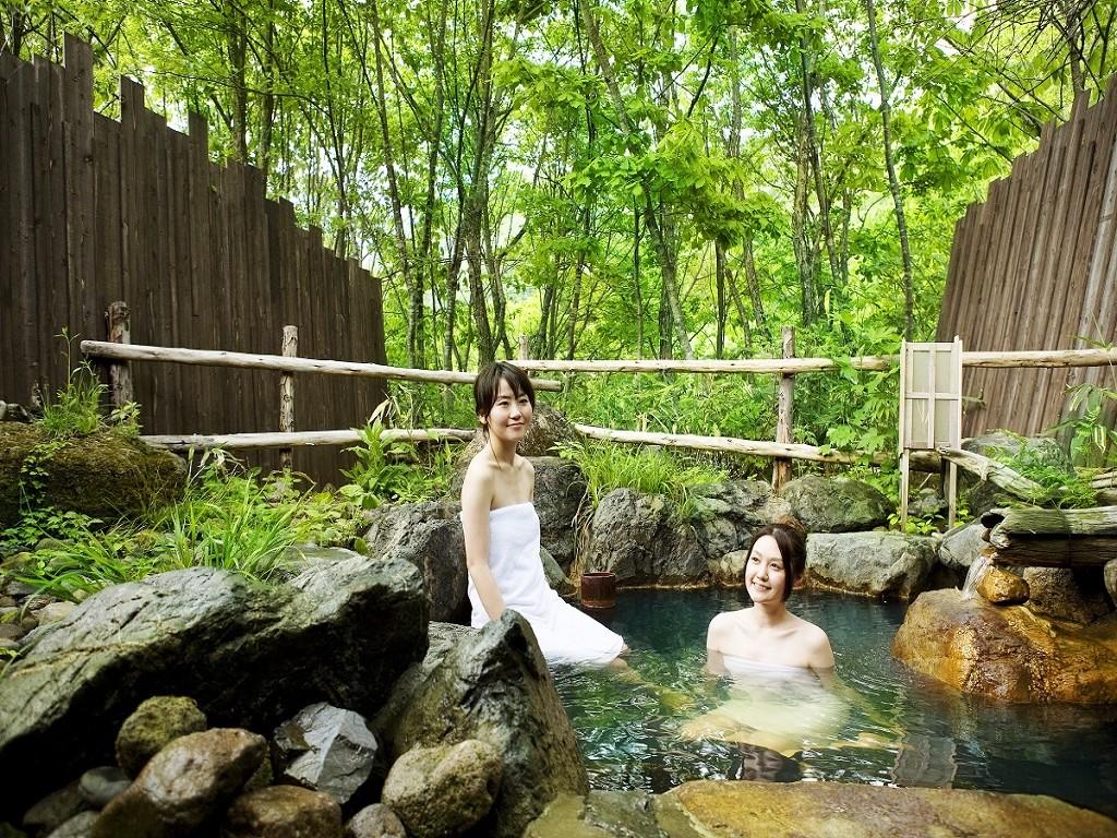 野趣あふれる貸切天風呂は無料でご利用頂けます