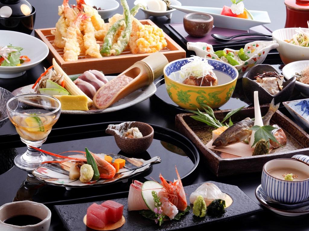 【夕食】四季夕膳会席。おばんざいと天ぷらはオーダービュッフェで好きなものを好きなだけ