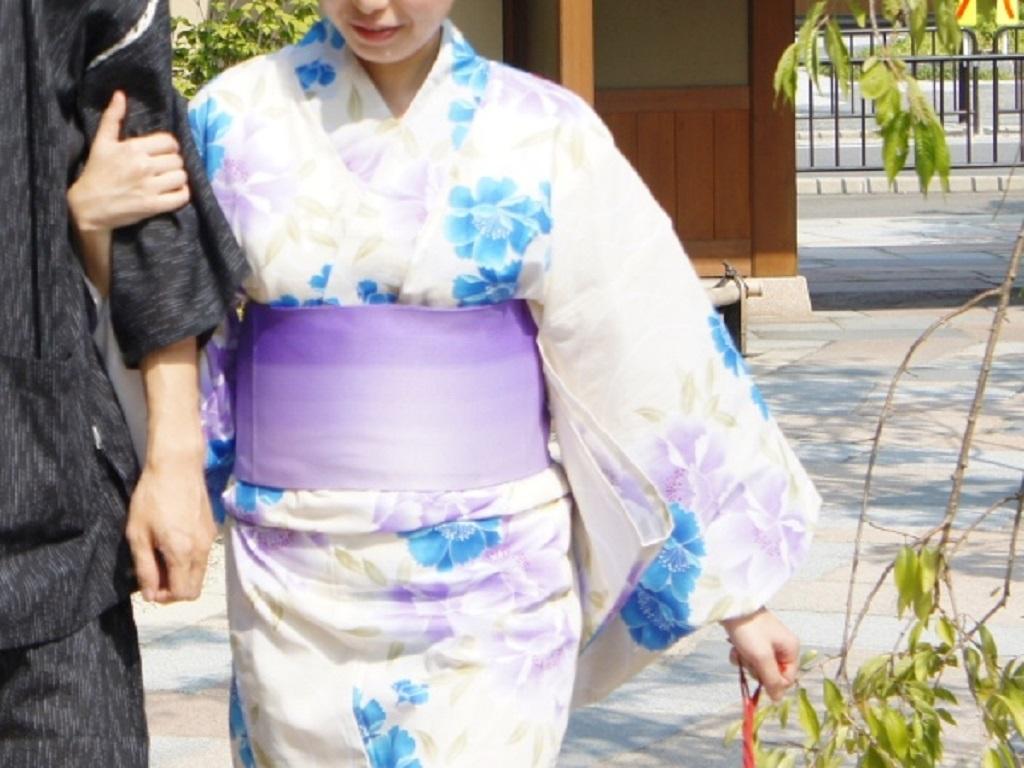【カップルイメージ】京都デートのしめくくりは温泉宿にほっこりステイはいかが?