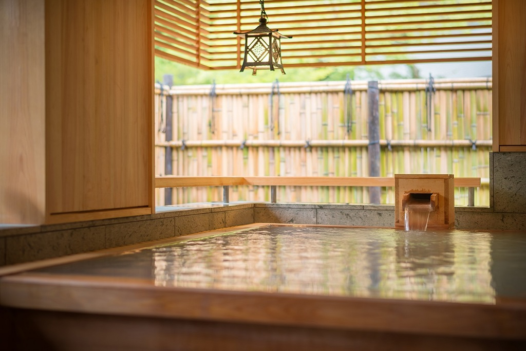 貸切風呂「蓮」(檜風呂)