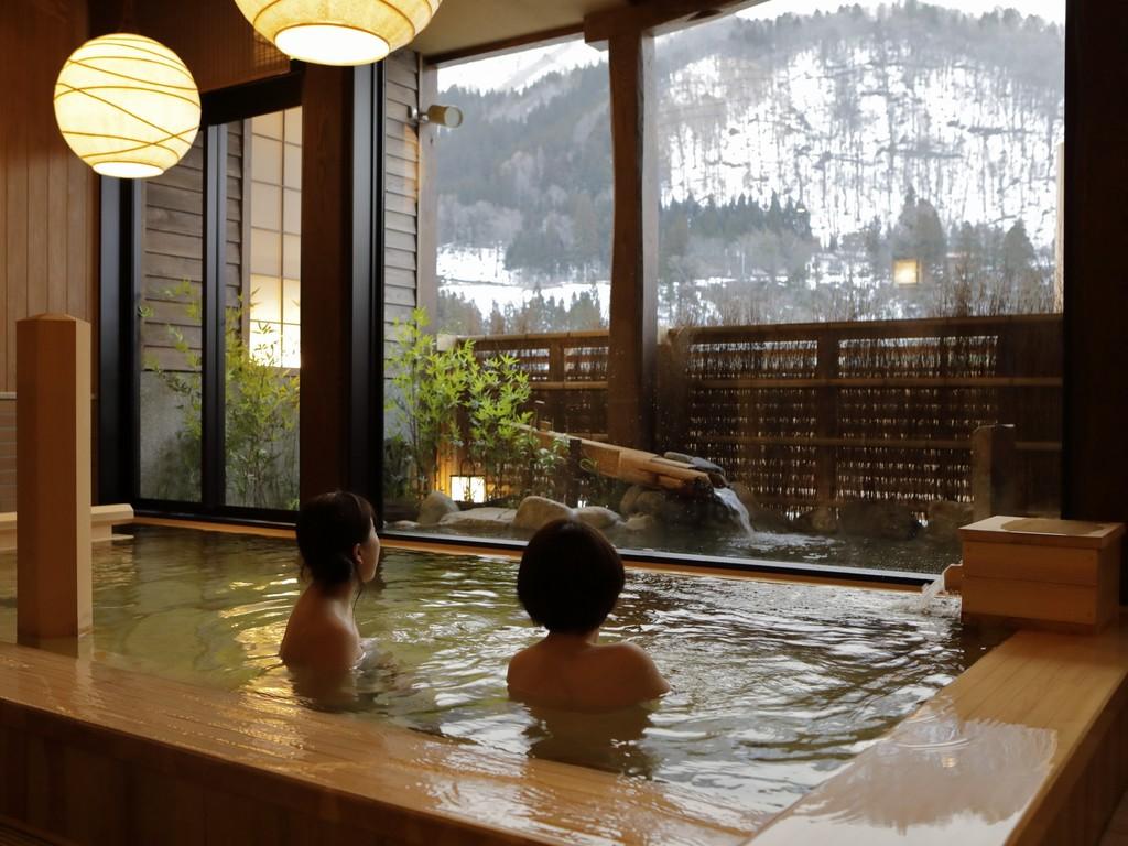 【大浴場:内湯】男女の入替制ではございませんので、ごゆっくりとご利用頂けます。