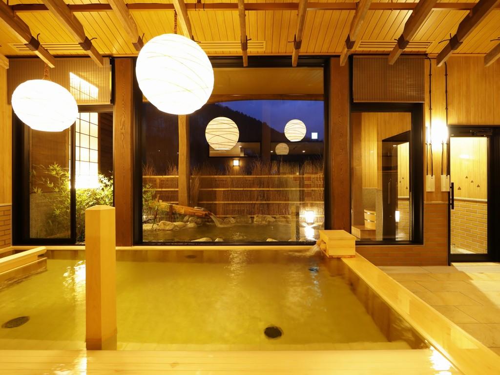 【大浴場:内風呂】ゆるり温泉で日頃の疲れを癒して下さい。