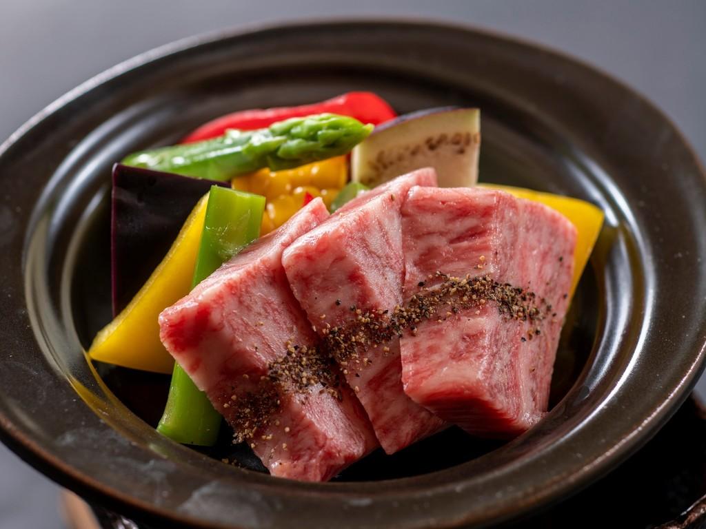 【牛サーロイン陶板焼き】