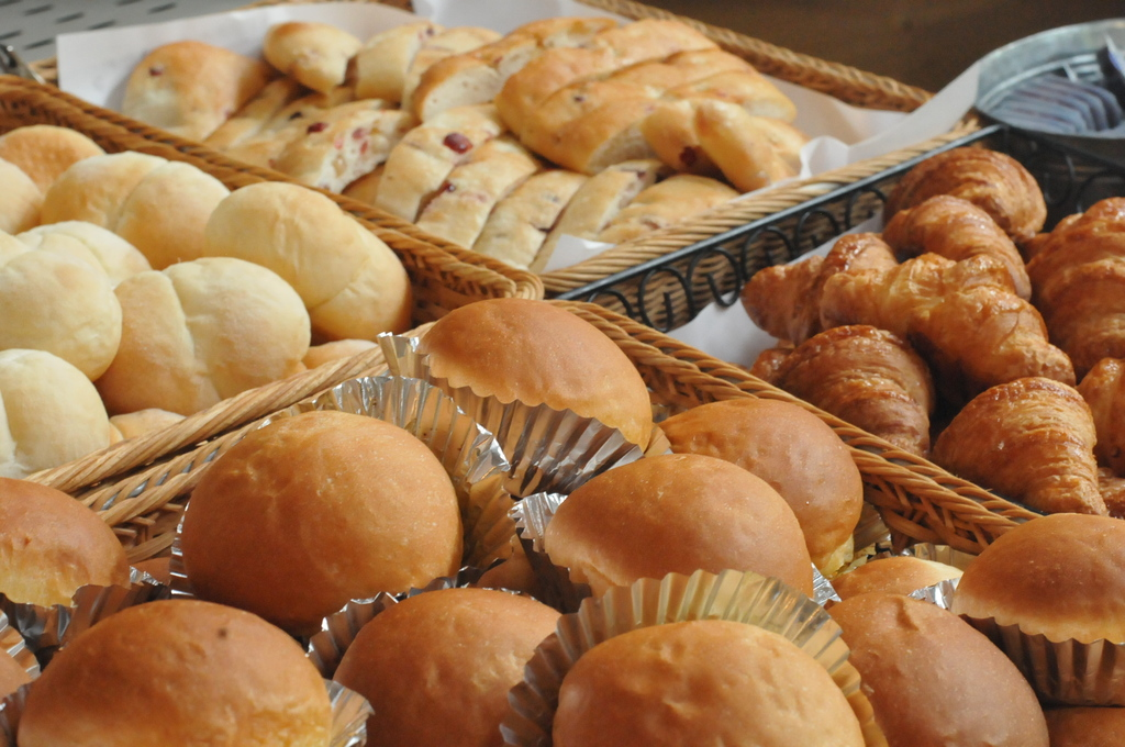 自家製のパンは大人気!